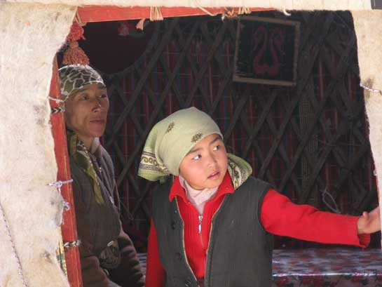 Kyrgyz-Family-in-a-traditional-Yurt